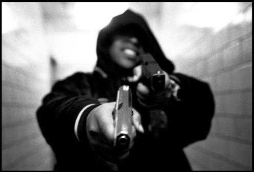 065e0-NYC_Thug-public_housing-with_guns-ce