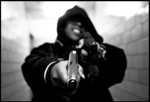 065e0-NYC_Thug-public_housing-with_guns-ce