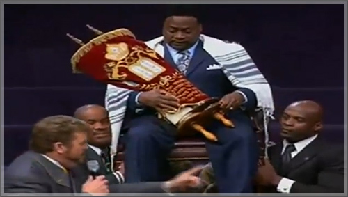 eddie_long_returns_to_the_pulpit