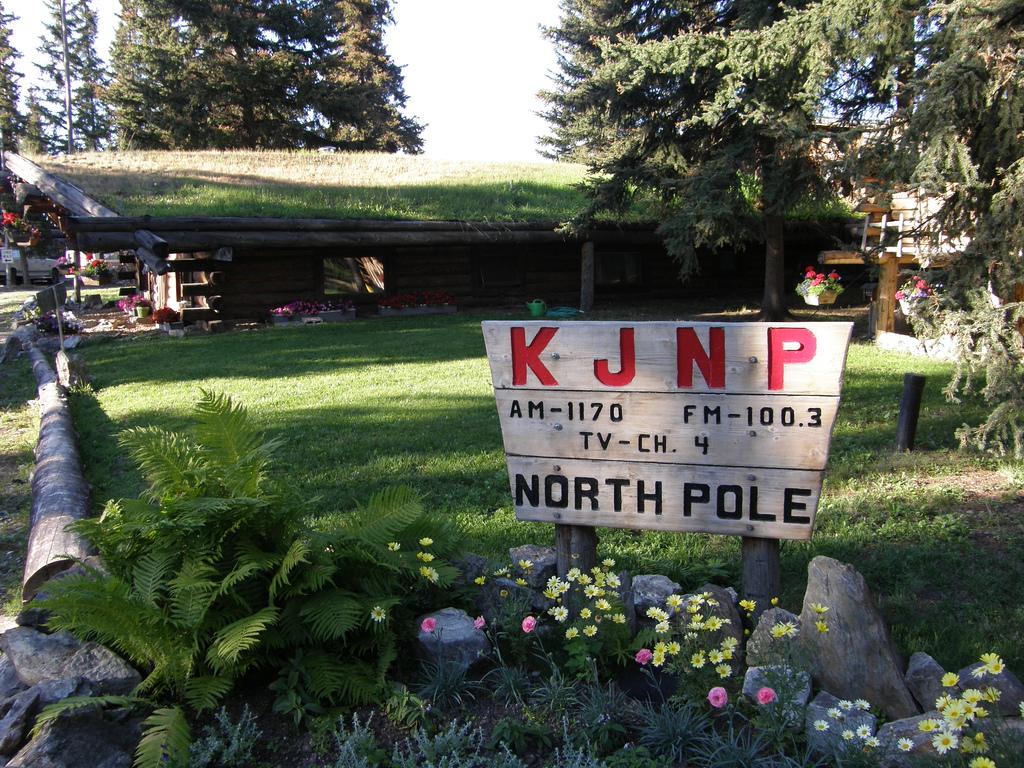 KJNP-North-Pole-Alaska-1170-AM-100.3-FM-and-Channel-4-Television